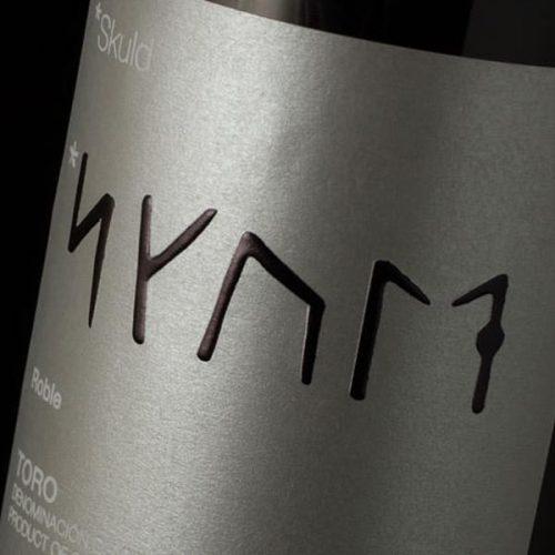 Creación y diseño de etiqueta para el de Toro SKULD