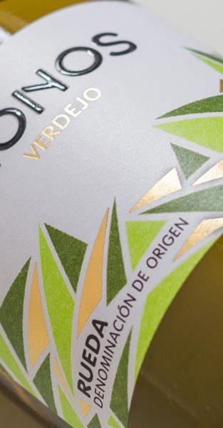 Diseño de la etiqueta realizada para el vino Mionos
