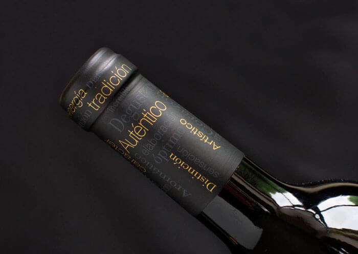 Diseño de capsula para vino Tilde selection